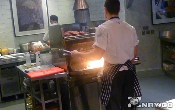Повар, специально обученный готовить на хоспере