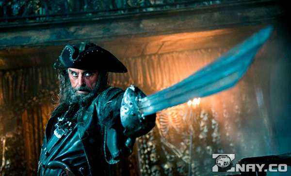 Пират с мечом