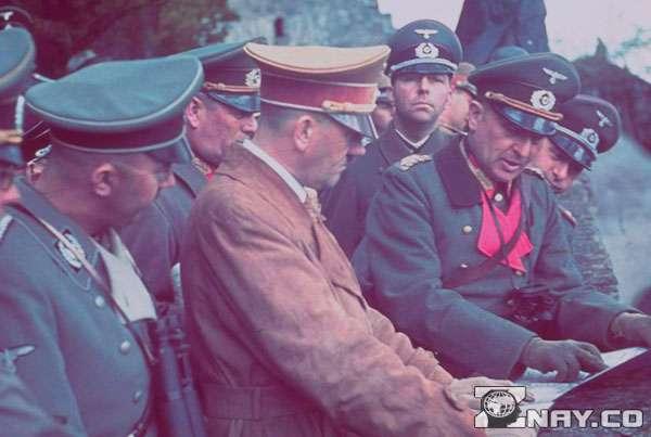 Гитлер разрабатывает план