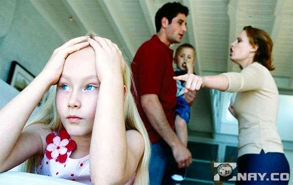 Ребенок должен пережить развод родителей