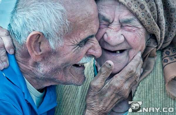 Пожилые влюбленные