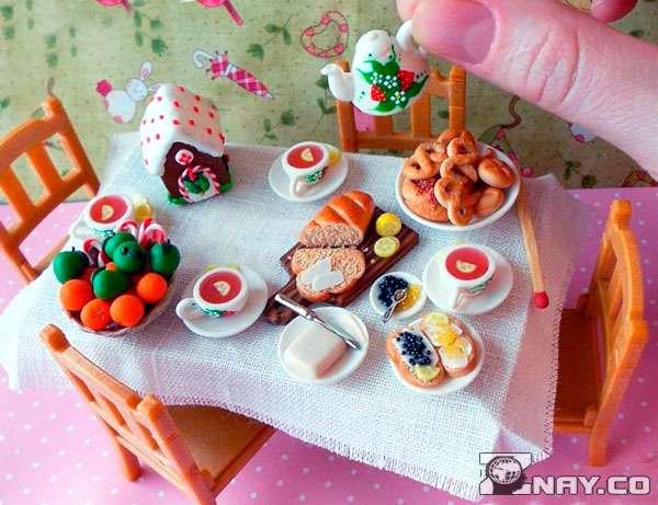 Кукольный кухонный стол