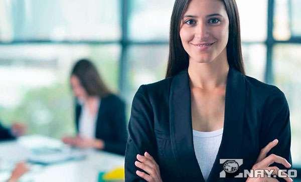 Девушка и управление персоналом