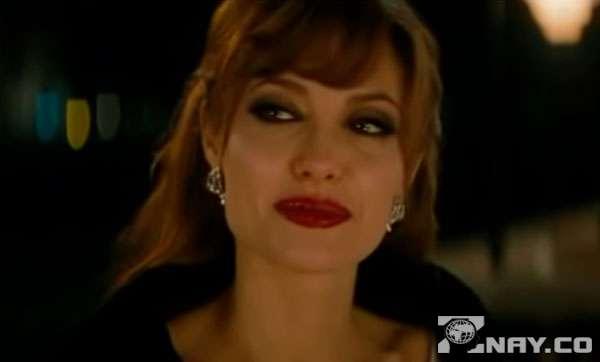 Анджелина Джоли и ее стервозное поведение