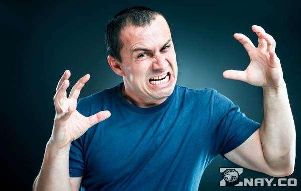 Злой и раздражительный человек