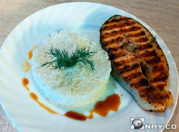 Гарнир из стейка семги