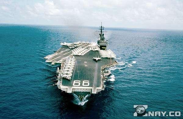 America CV-66 в открытых водах