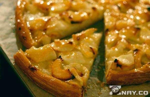 Пирог яблочный кремовый