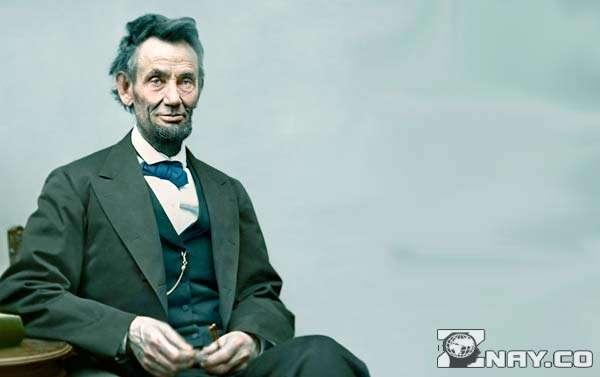 Линкольн читал информацию вслух