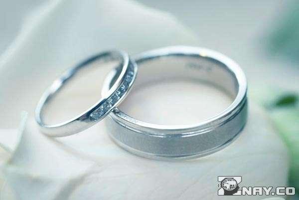 Два свадебных украшения