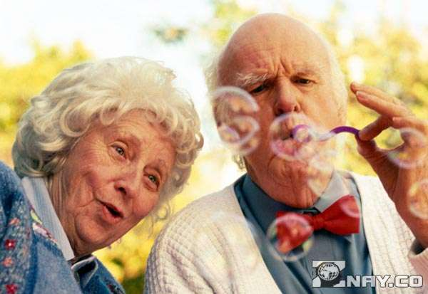 Пожилые вполне еще способны работать