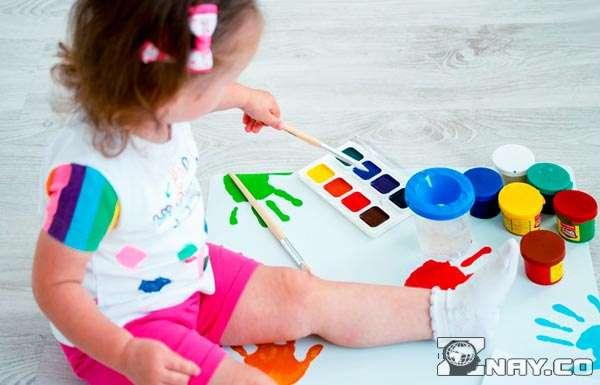 Краски и детское рисование