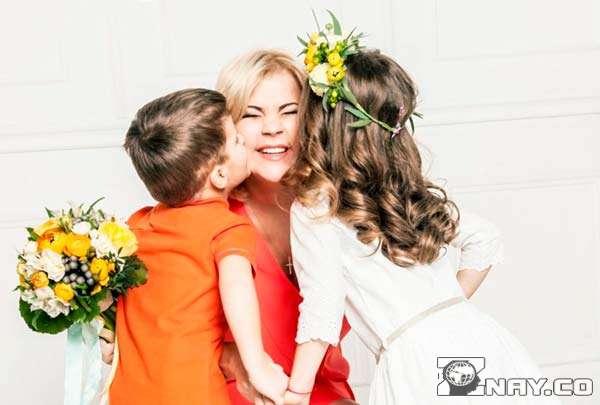 Дочь поздравляет с годовщиной свадьбы