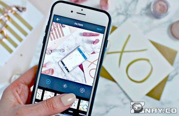 Блогер пользуется фильтрами на фото