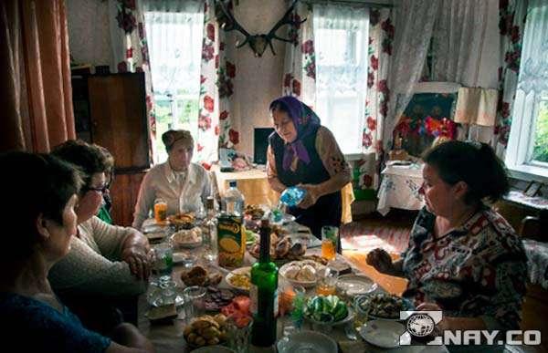 Типичные поминки в России