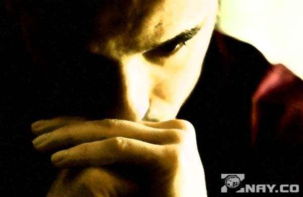 Слезы и печаль парня