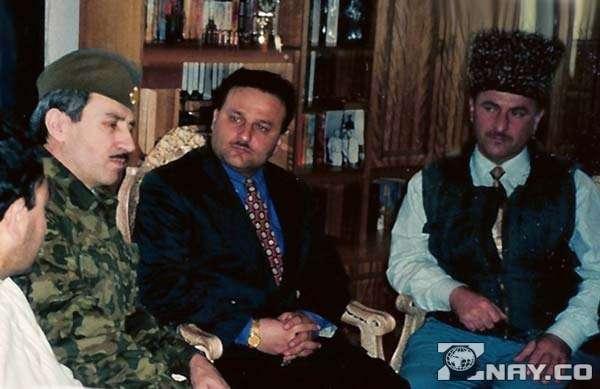Дудаев в своем штабе
