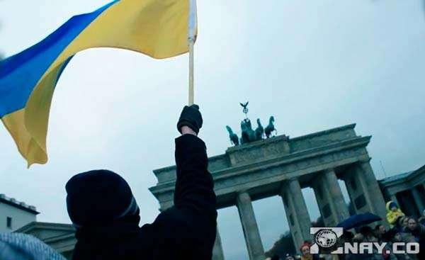 Митинг против санкций от России