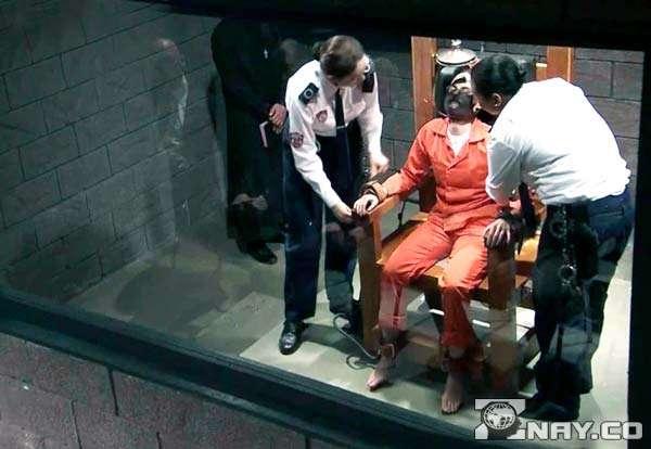 Заключенный на электрическом стуле в Америке