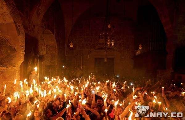 Горение тысяч лампад в Иерусалиме