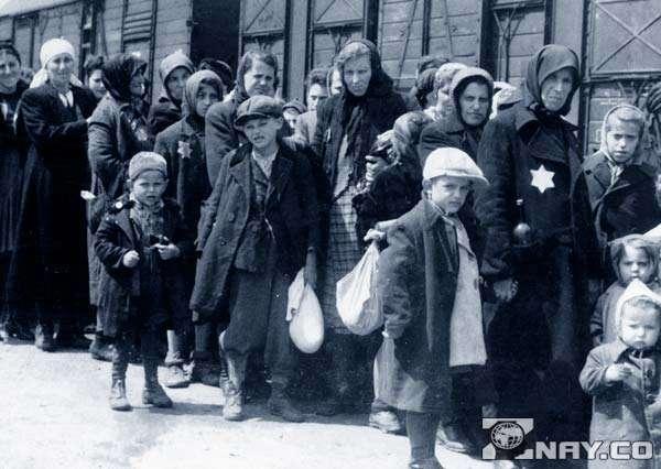 Жертвы холокоста в Одессе едут по этапу