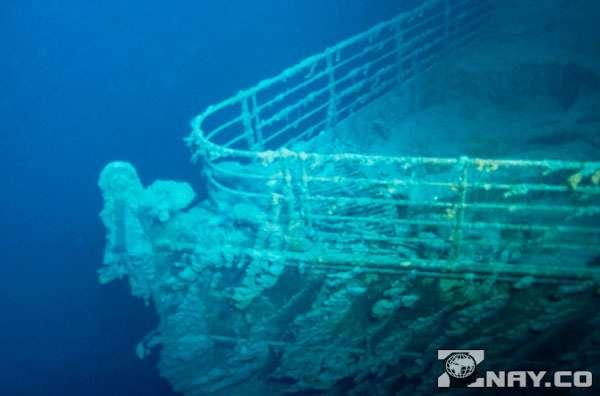 На корме Титаника в море