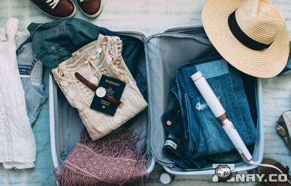 Компактно лежащие в чемодане вещи