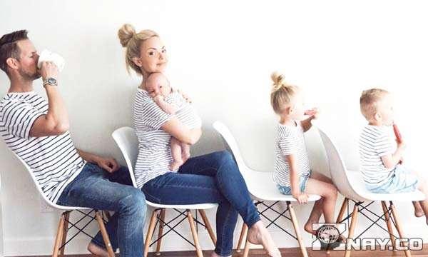 Креативная семья с тремя детьми
